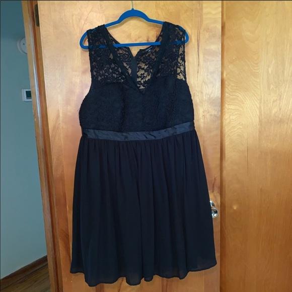 torrid Dresses & Skirts - Torrid Black Lace Holiday Dress